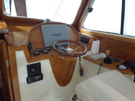 Hinckley Picnic Boat 36 image