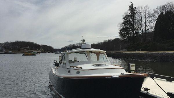 Hinckley Picnic Boat 36