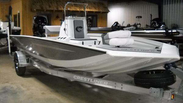 Crestliner 1800 Bay