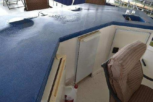Horizon Houseboat image