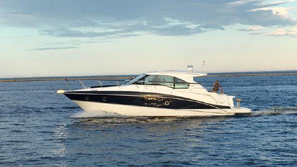Cruisers Yachts 41 Cantius