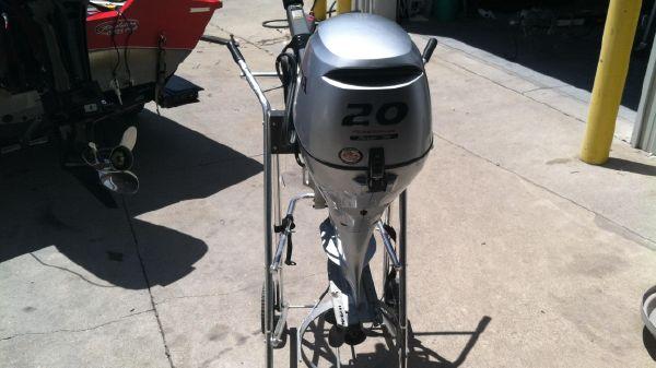 Honda 20hp 4-Stroke Tiller