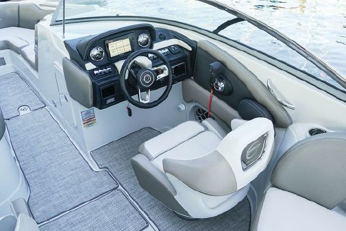 Crownline 280 SS image