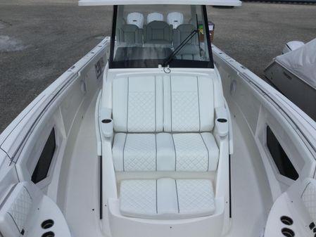 Pursuit S 378 Sport image