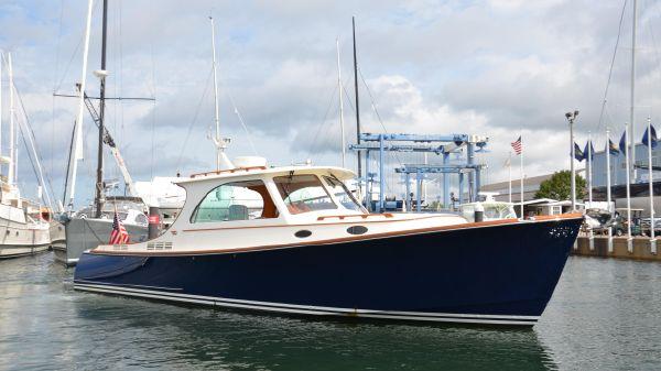 Hinckley Picnic Boat MKIII