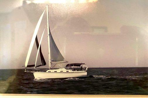 Island Packet 27 image