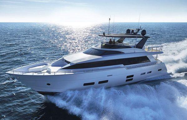 2018 Hatteras 70 Motor Yacht