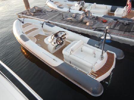Pascoe 6.2 Meter Luxury Diesel Tender image