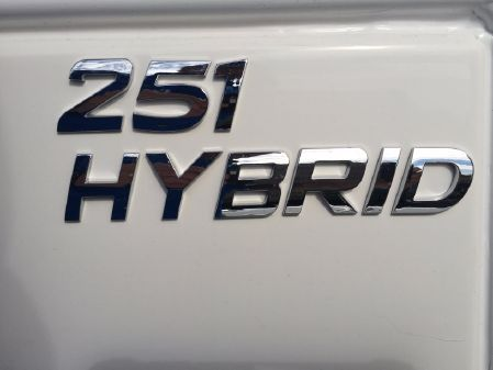 NauticStar 251 HYBRID image