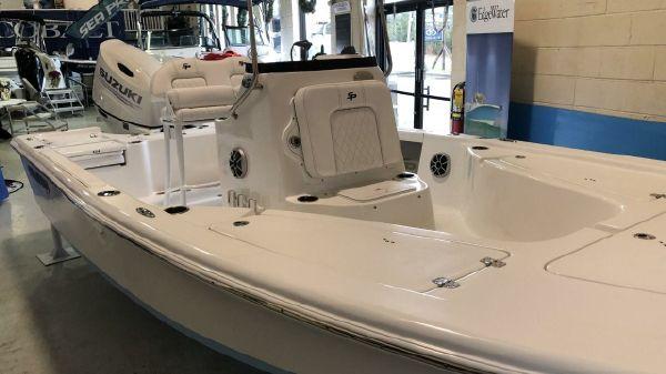 Sea Pro 208 DLX Bay Boat