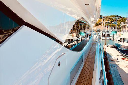 Sunseeker 30 Metre Yacht image