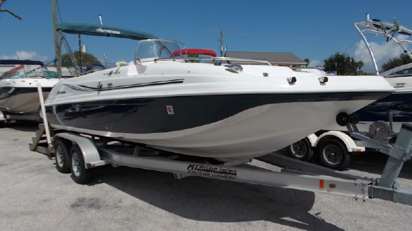 Hurricane 211 sport deck