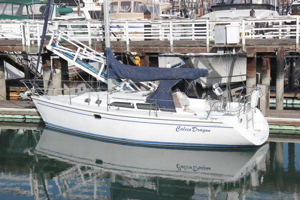 Catalina 320 sloop - main image