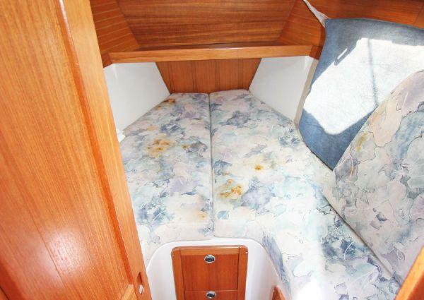 Catalina 320 sloop image