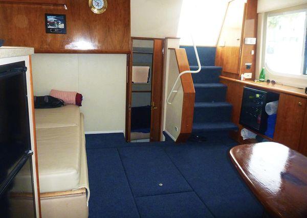 Silverton 352 Motor Yacht image