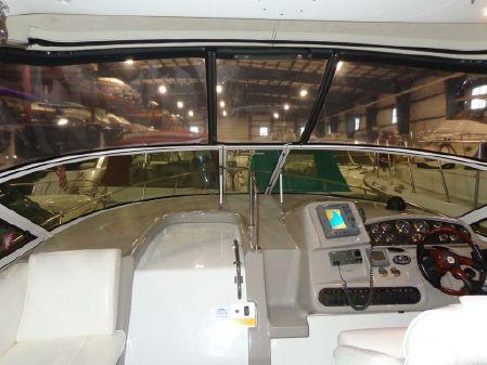 Cruisers Yachts 340 Express image