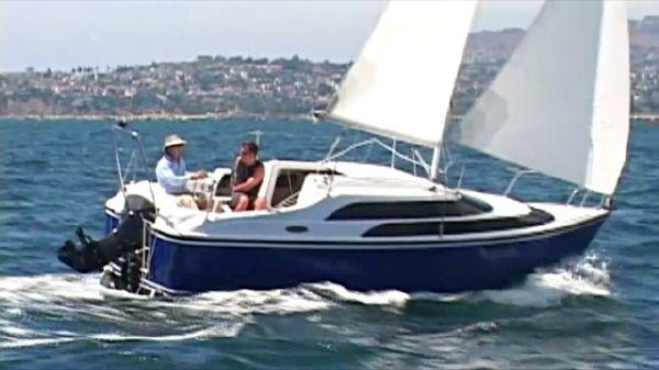 MacGregor 26' Sailboat