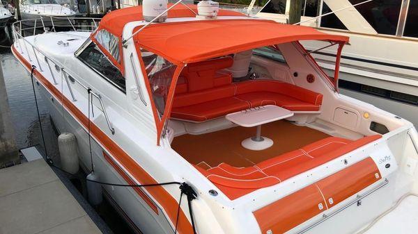 Sea Ray 500 Sundancer w/ TNT lift & Bowthruster