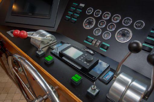 Hatteras 90 Motor Yacht image