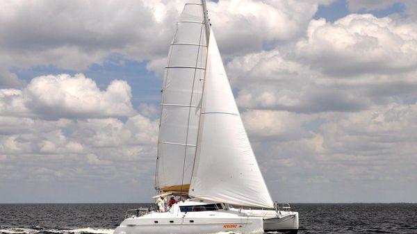 Fountaine Pajot Belize Mastro Horizons under sail