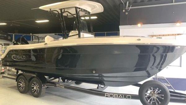 Robalo 242 EXPLORER