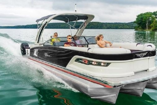 Tahoe Pontoon Grand Tahoe Elite Windshield 27' image