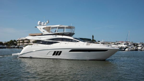 Sea Ray 590 Flybridge