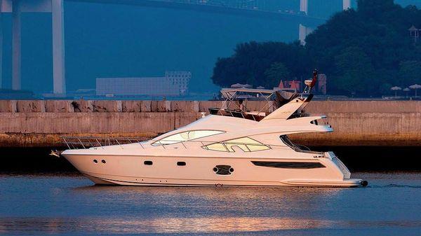Selene Artemis 56 Motor Yacht