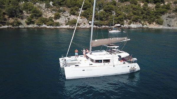 Lagoon 450 Owner's Version