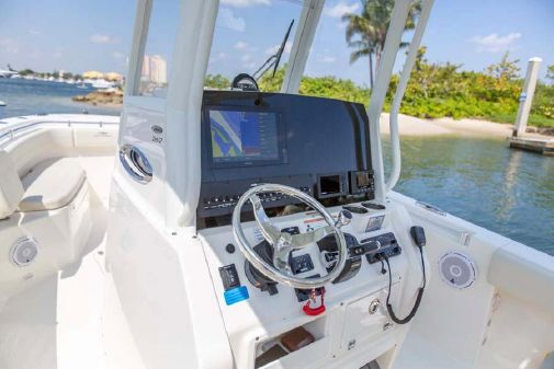Cobia 262 Center Console image