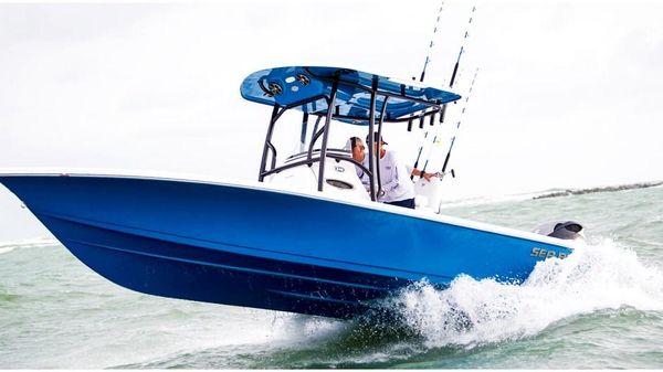 Sea Pro 248 DLX Bay Boat