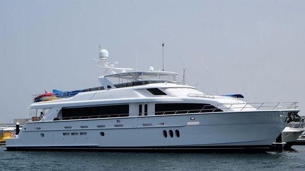 Hatteras 105 Motor Yacht