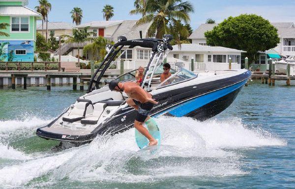2021 Crownline 265 SS SURF
