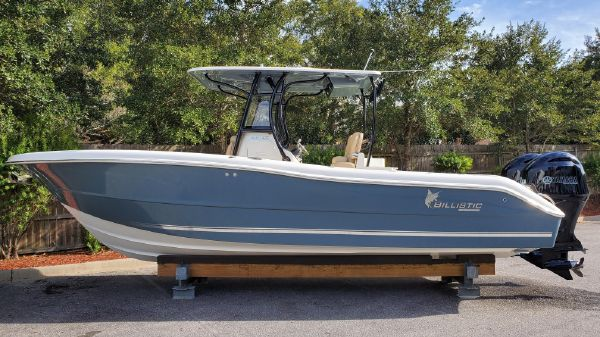 Key West Billistic 261 Center Console
