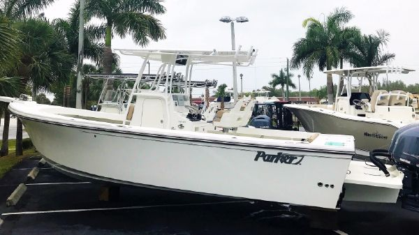 Parker 25 SE Center Console 2017 Parker 25 SE Center Console Saltwater Fishing Ski & Fish