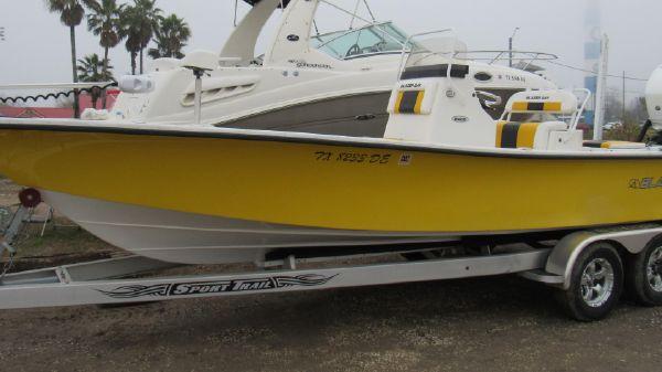 Blazer Bay 2400