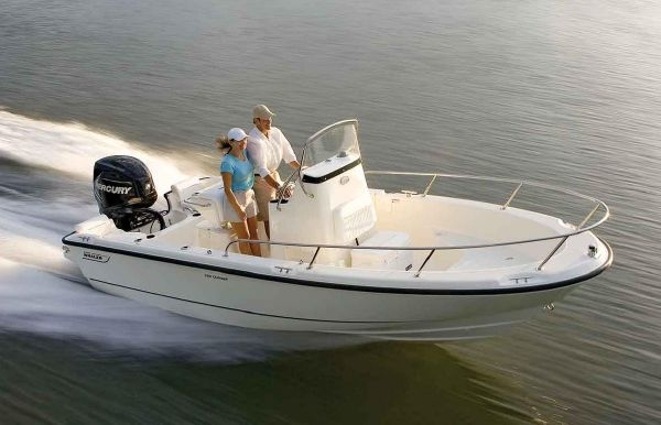 2021 Boston Whaler 190 Outrage