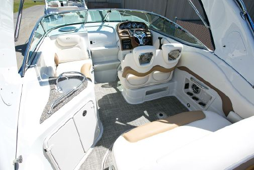 Crownline 264 CR image