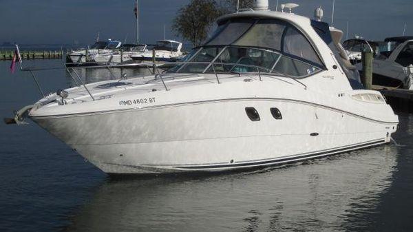Sea Ray 330 Sundancer Port Bow