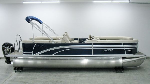 Harris Sunliner 240 2018 Harris Sunliner 240 CWDH w/Mercury 150hp For Sale at Yachts to Sea