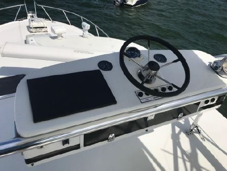 Cabo 40 Express Sea Keeper Gyro image