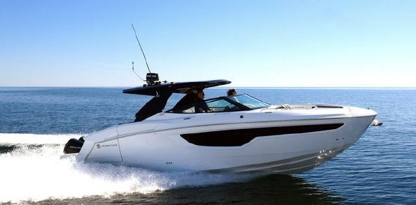 Cruisers Yachts 38 GLS image