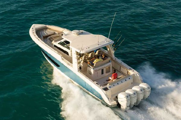 Boston Whaler 420 Outrage - main image