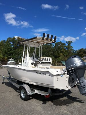 Tidewater 198 Center Console - main image