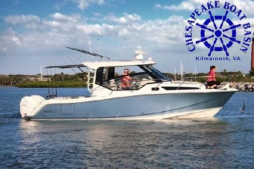 Boston Whaler 325 Conquest image