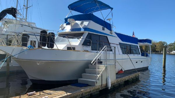 Bluewater 45 Coastal Cruiser