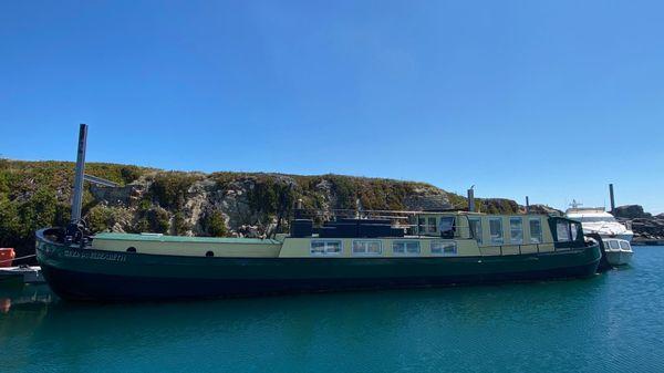 Custom Steel Barge