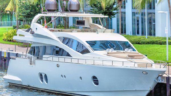 Aicon Yachts 85 Fly