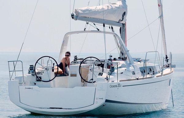 2021 Beneteau America Oceanis 35.1