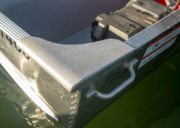 Lowe Utility V1460 image